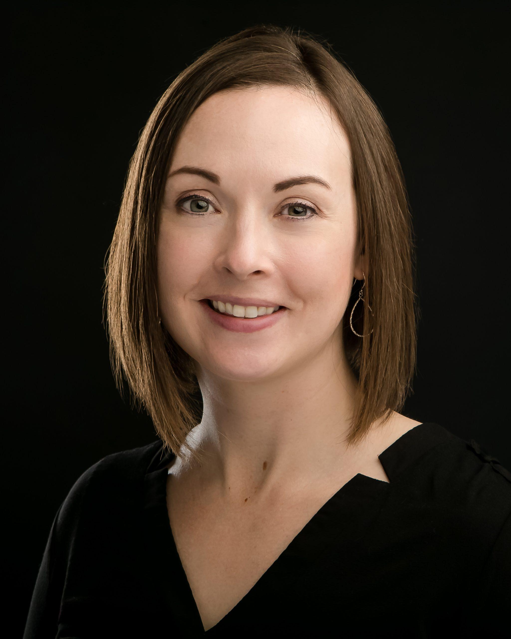 Erin Callan Headshot